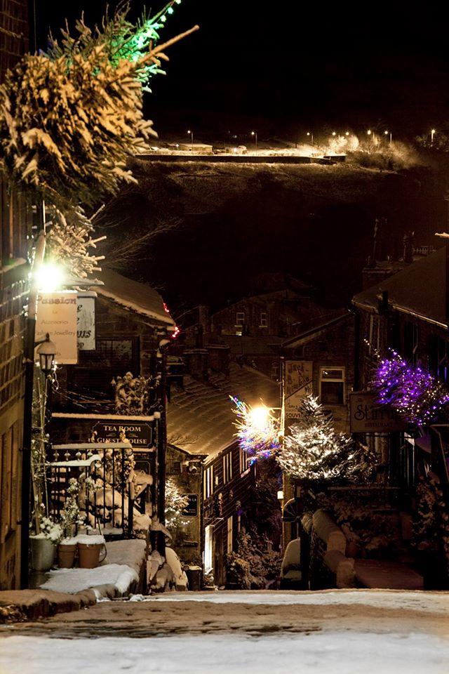 Haworth Christmas Main Street